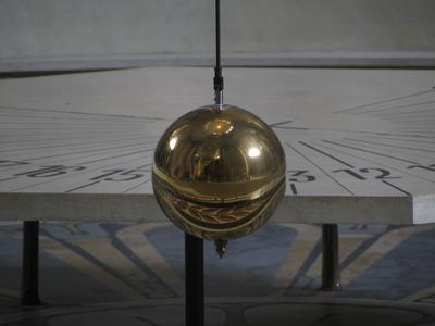 Image of Foucault's pendulum at the Sorbonne